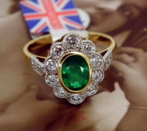 Unworn ladies diamond & emerald ring rrp £3,360