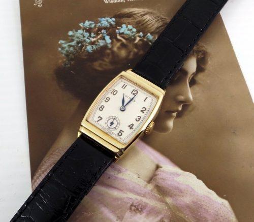 Gorgeous 1937 9ct Gold unisex vintage Rolex
