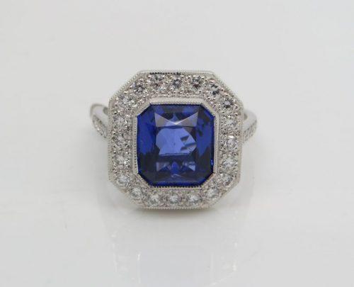 4.68ct Tanzanite and Diamond ring
