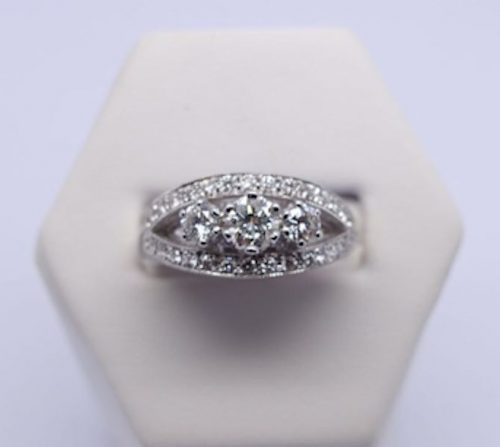 Wonderful Diamond Cluster ring