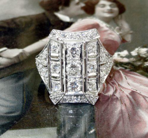 French Art Deco ladies 2.5ct diamond platinum ring c1930