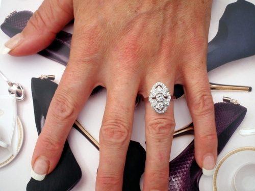 Unworn 18ct gold ladies diamond ring rrp £1,896